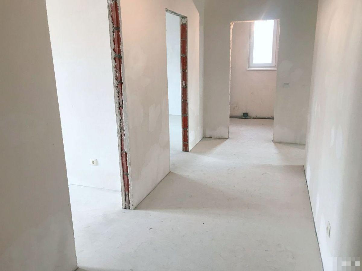 Квартира на продажу по адресу Россия, Калининградская область, Калининград, Космонавта Леонова ул, 55